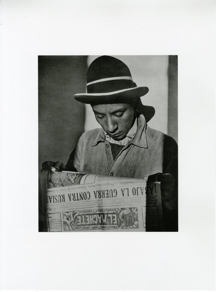 "Lot #10: TINA MODOTTI - Worker Reading ""El Machete"" Newspaper - Original photogravure"