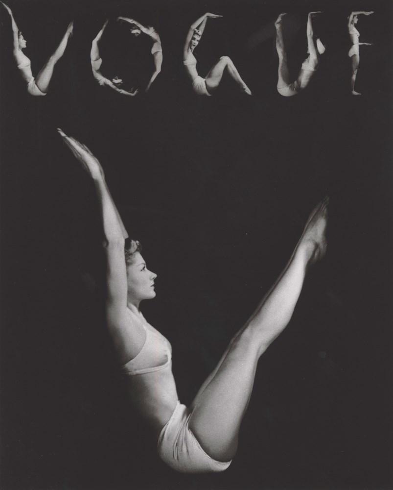 Lot #53: HORST P. HORST - V.O.G.U.E., Lisa Fonssagrives-Penn, New York - Original photogravure