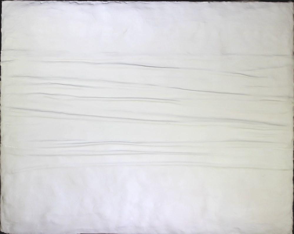 Lot #1487: PIERO MANZONI - Achrome #20 - Kaolin on pleated canvas