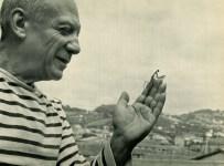 Lot #253: ROBERT DOISNEAU - Picasso et mantis de prière - Original vintage photogravure
