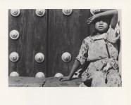 Lot #347: MANUEL ALVAREZ BRAVO - Muchacha Viendo Pajaros - Original photogravure